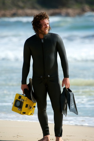 drift-sam-worthington1-399x600.jpg